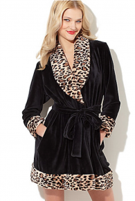 Betsey Johnson Luxe Velour Robe